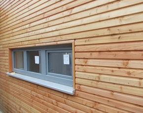 Holzhaus Lärche grau 460 580
