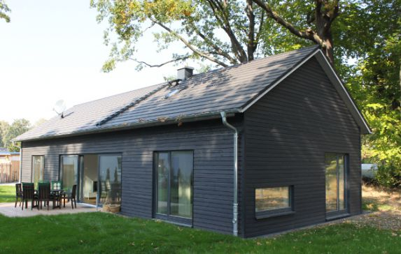 Holzhaus modern for Holzblockhaus modern