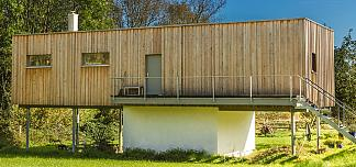 Holzhaus auf Steinhausunterbau, Rechteckbau